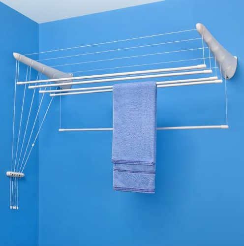 Optez pour un tendoir linge suspendu for Sechoir a linge plafond